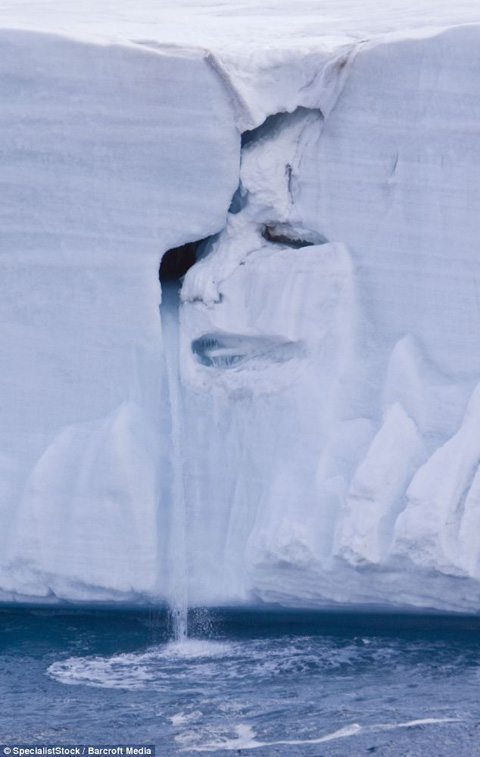 Pareidolia : Crying Glacier from Norway